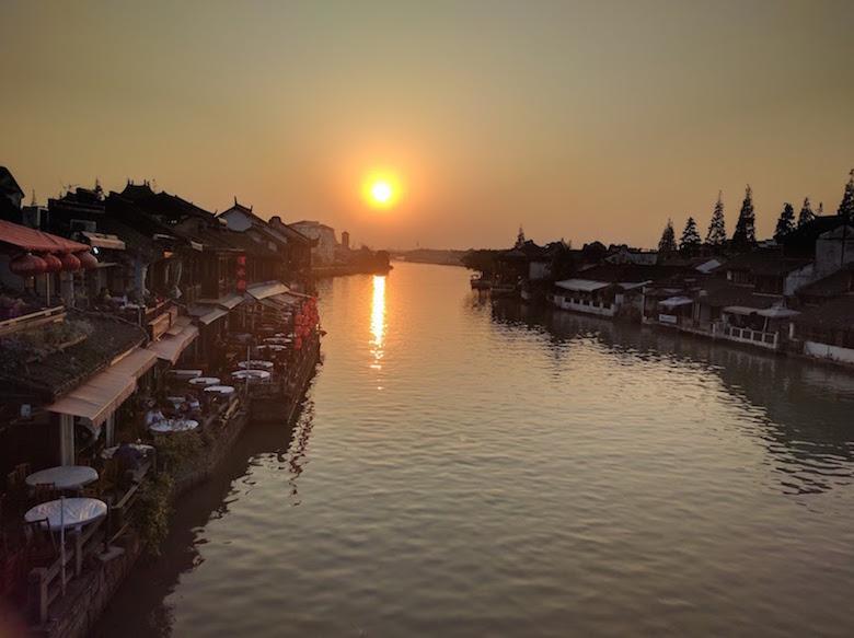 江南古镇宁静的傍晚,尽收眼底。